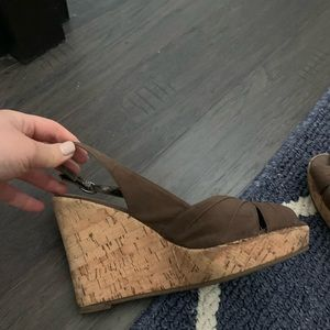 2 1/2 inch wedge shoes